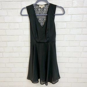 ISSI Lace Fit & Flare LBD Size S (B3)